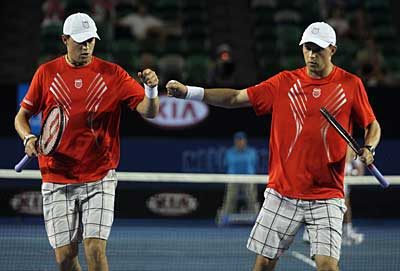 Bryan Brothers win 2010 Australian Open
