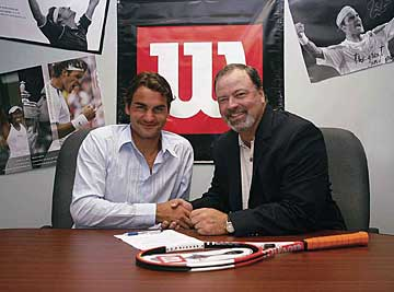 Roger Federer signs with Wilson